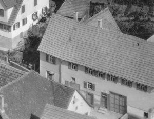 Luftaufnahme von 1958 Haus Nr. 10/11/12