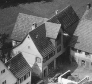 """Haus Nr. 18A und ab 1875 die Nr. 19. Gasthaus """"Zur Traube"""""""