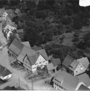 Luftaufnahme von 1958. Nr. 9 im Kreis
