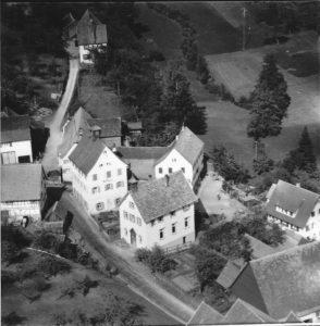 Luftaufnahme 1958 Altes Rathaus und Kapelle