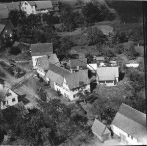 Luftbild 1958, Haus Nr. 51 im Kreis