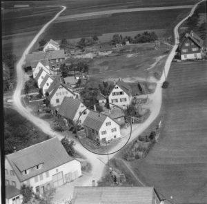 Luftbild 1958, Haus Nr. 60 im Kreis