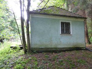 Grüntaler Brunnenhaus auf Untermusbacher Flurstück